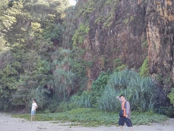 tebing pantai 2