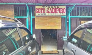 Kuliner Maknyuss Soto Kadipiro di Yogyakarta