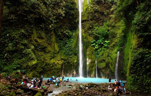 Air Terjun Telaga Dwi Warna Sumatera Utara