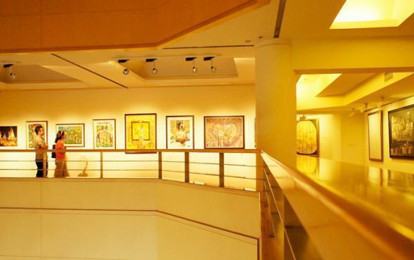 Queens Gallery #1