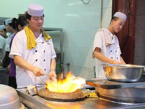 chinese muslim chef