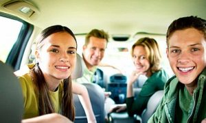 Tips Liburan Bersama Anak dengan Mobil