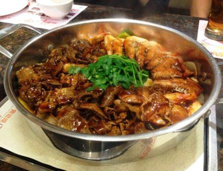 Mencoba Makanan Khas Beijing di Huang Ji Huang